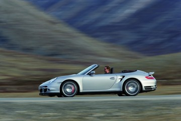 Cabriolet or Targa? Find the perfect used Porsche 911 for summer driving.